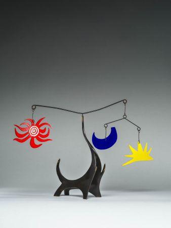 多数の Calder - Black Elephant