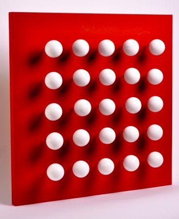 多数の Asis - Boules tactiles sur font rouge