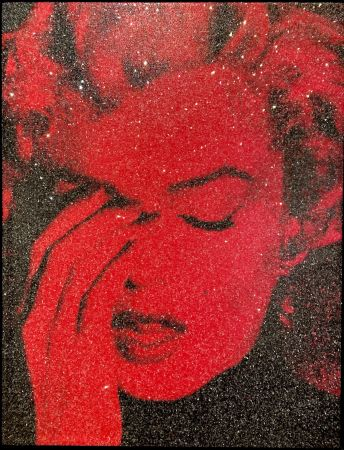 多数の Young - Marilyn Crying - Fire Red