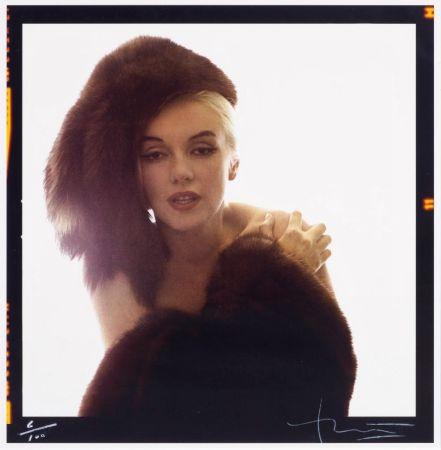 多数の Stern - Marilyn with Fur Hat