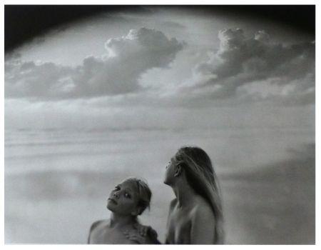 写真 Sturges - Megan Tara et Maëva