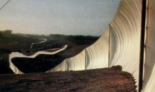 多数の Christo - Running Fence, Sonoma and Marin Counties, California, 1972-76