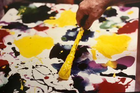 写真 Blum - Sam Francis painting (close up)