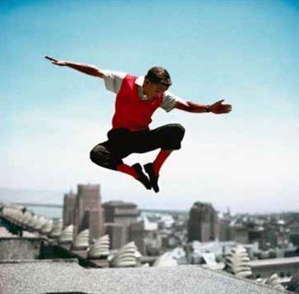 写真 Worth - Sammy Davis Jr in mid-air