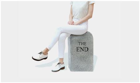 技術的なありません Cattelan - The End (granite)