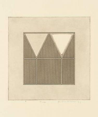 彫版 House - Triangles within a square