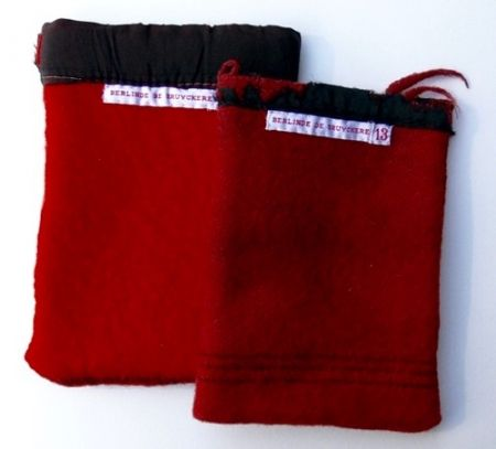 多数の De Bruyckere - Wool Blanket